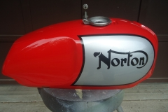 norton-red-silver-16